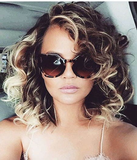 Short-Blonde-Curly-Hairstyle