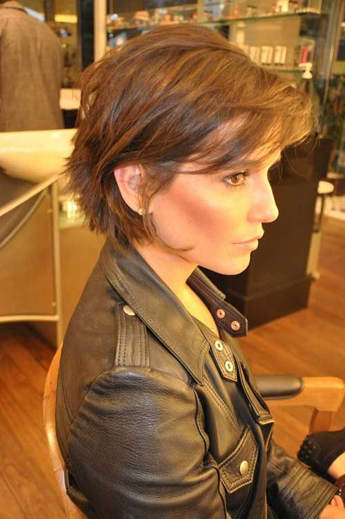 Short-Layered-Haircuts-for-Women